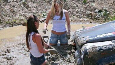 Как вытащить машину из грязи