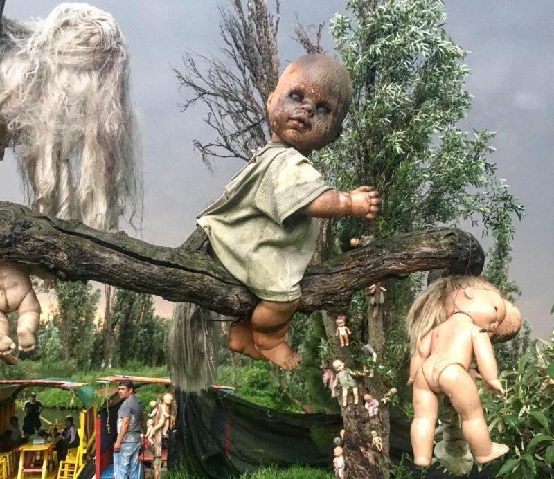 Остров кукол и страшная тайна отшельника