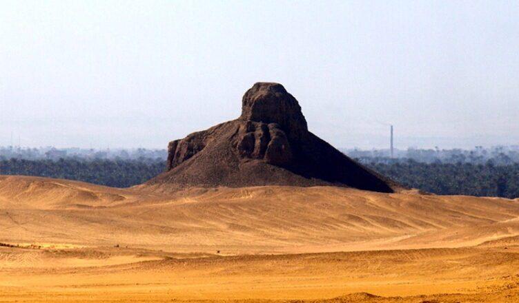 Черная пирамида Аменемхета III в Дашуре