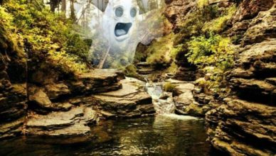 В ущелье Дьявола в водопаде сфотографировали призрак