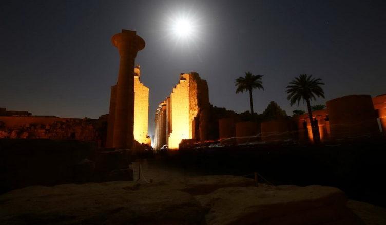 Гигантский храмовый комплекс Карнак
