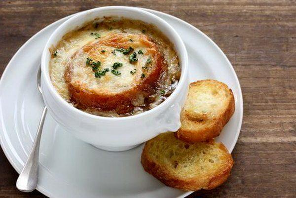 Луковый суп с чесноком для укрепления иммунитета