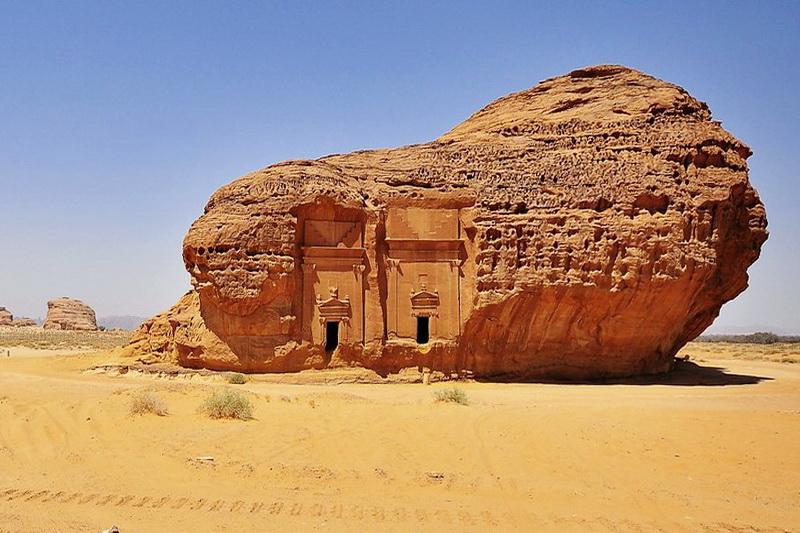 Гробницы в Мадаин-Салих