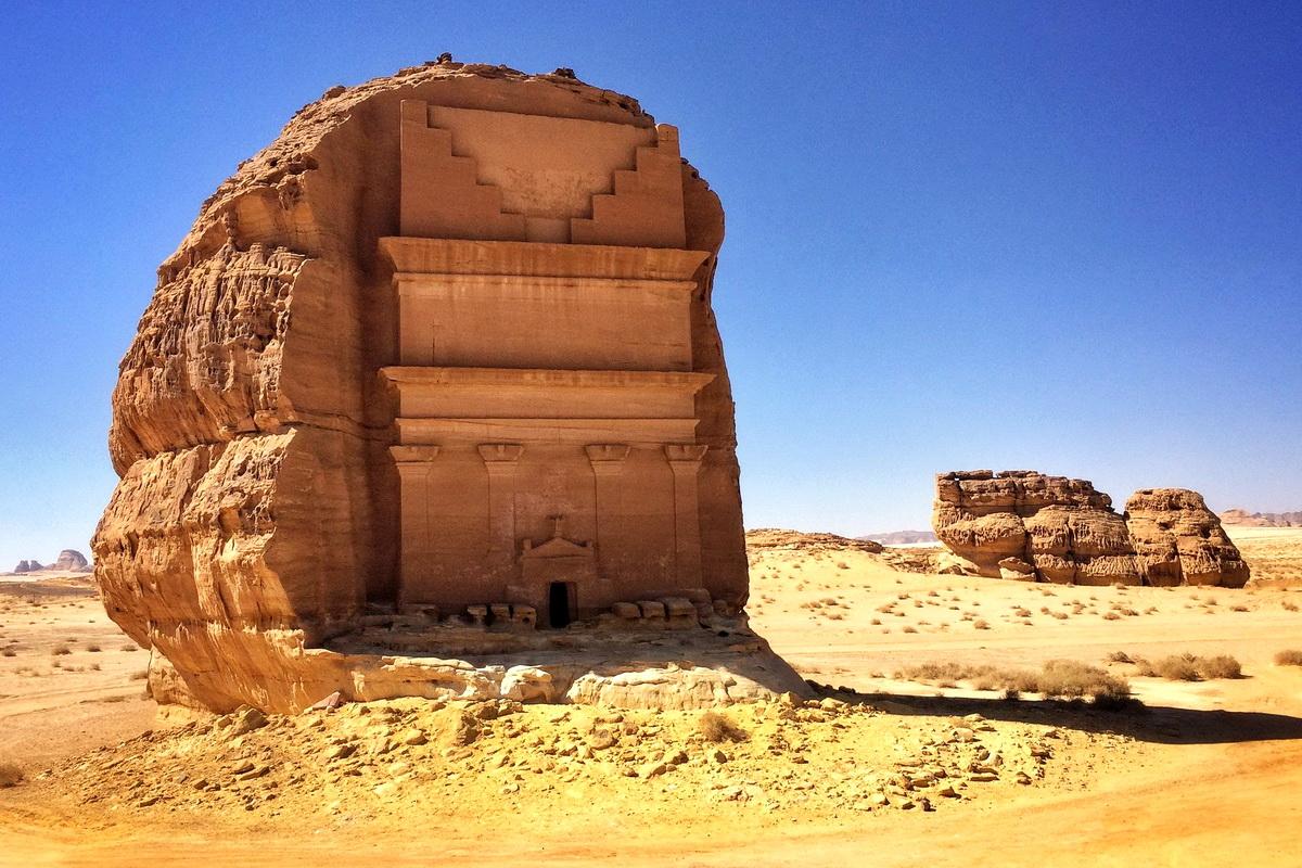 Одинокий замок Каср ал-Фарид