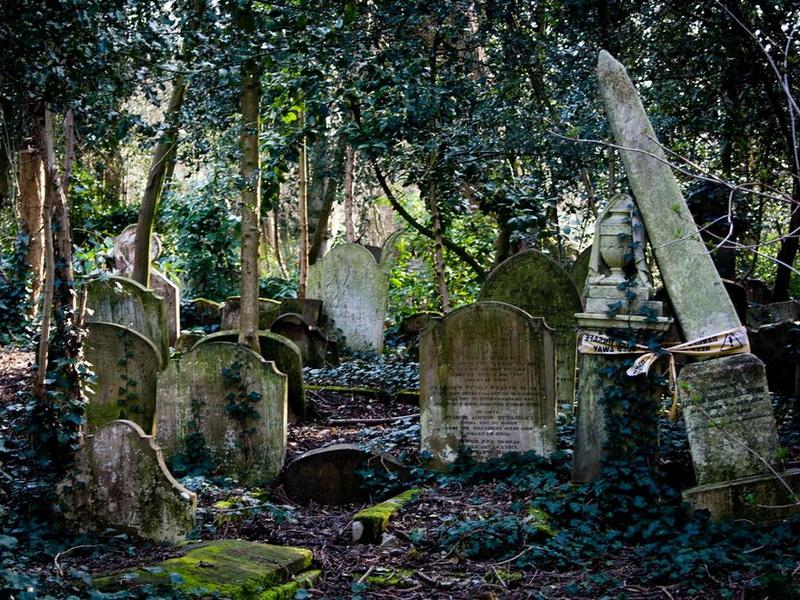 Вампиры Хайгейтского кладбища в Лондоне