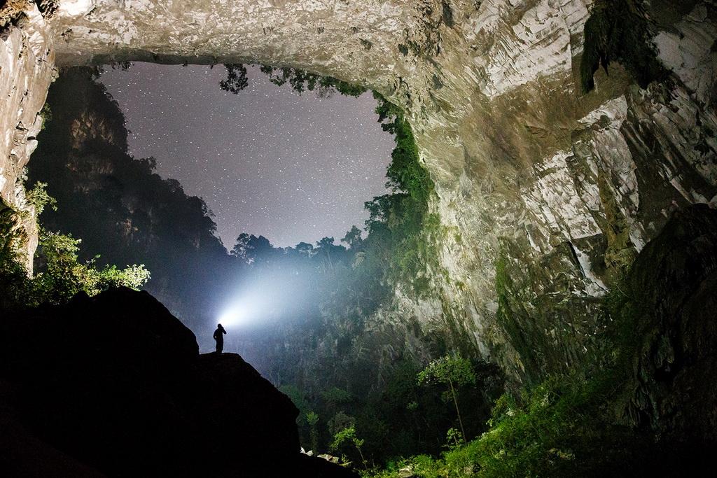 Самая большая пещера в мире Шондонг