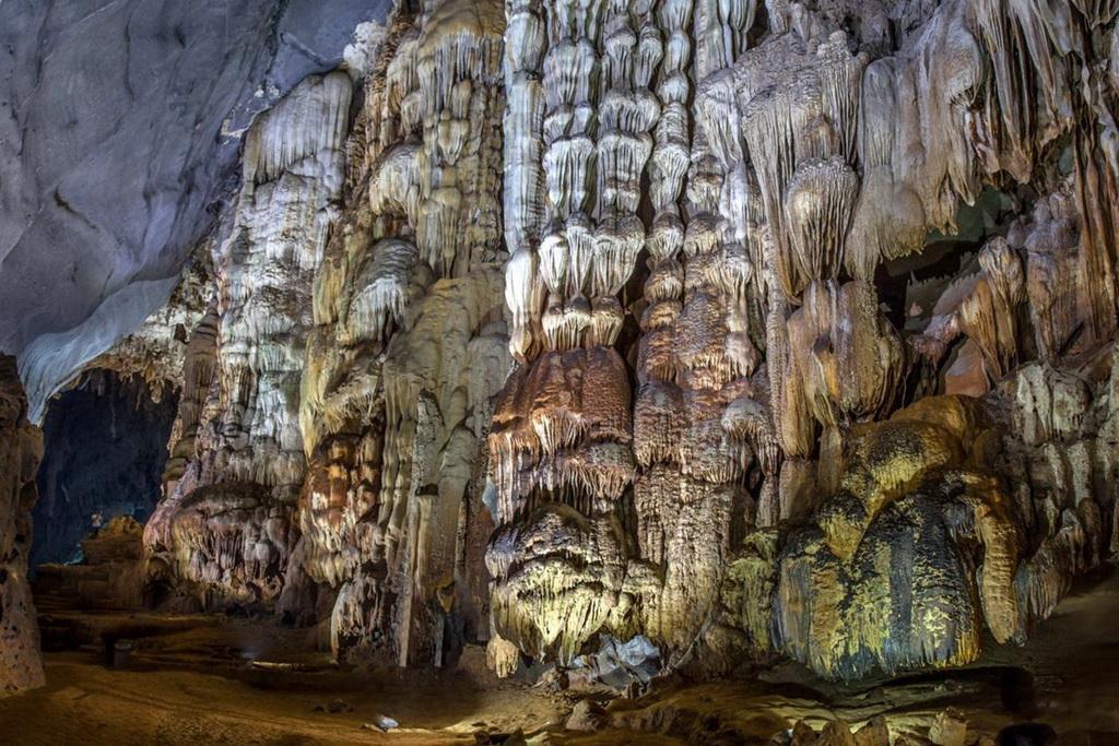 Внутри пещеры Шондонг