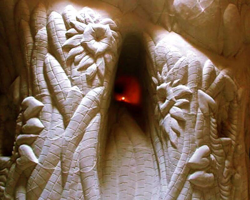 Художник провел 25 лет в затворничестве, строя подземные шедевры в пустыне