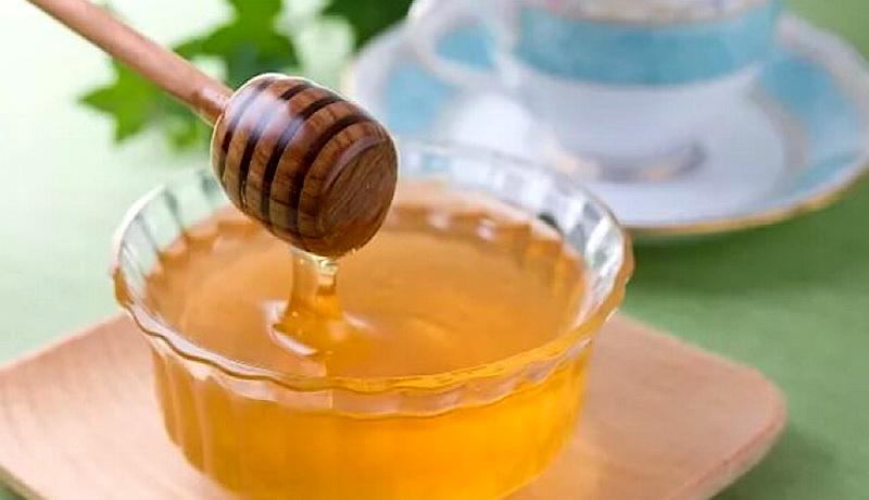Аллергия на мед: причины, симптомы, лечение