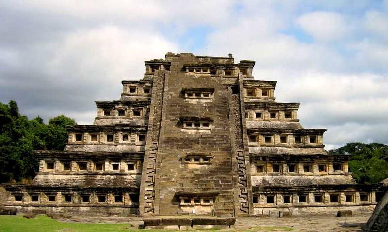 Пирамида Ниш в затерянном городе Мексики