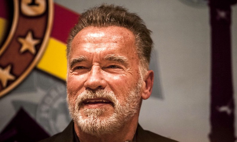 Арнольд Шварценеггер получил удар в спину: неизвестный напал на легенду Голливуда в ЮАР