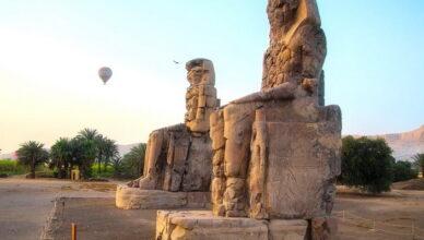 Поющие Колоссы Мемнона в Египте