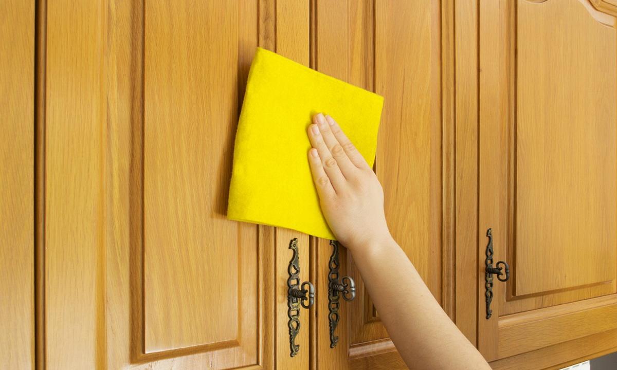 Как очиститькухонную мебельотжира: 5натуральныхсредств