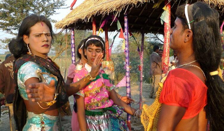 Хиджры — индийская каста «неприкасаемых»