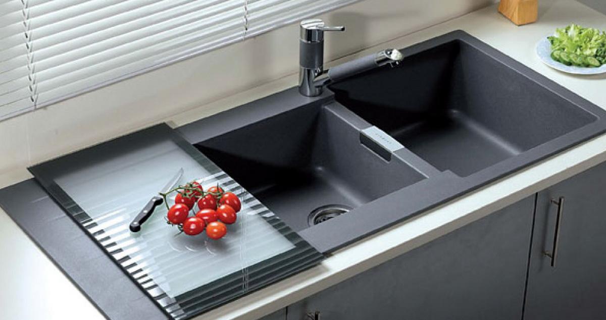 5 способов избавиться от неприятного запаха из кухонной мойки