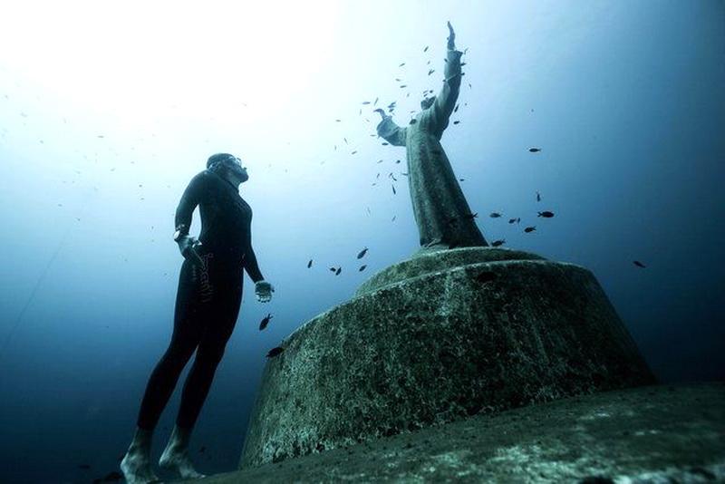 12 странных вещей, найденных в глубоких частях океана
