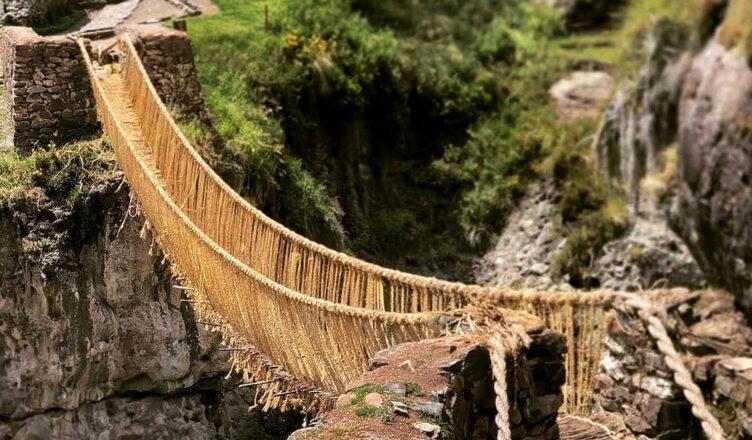 Кесвачака — 500-летний подвесной мост инков