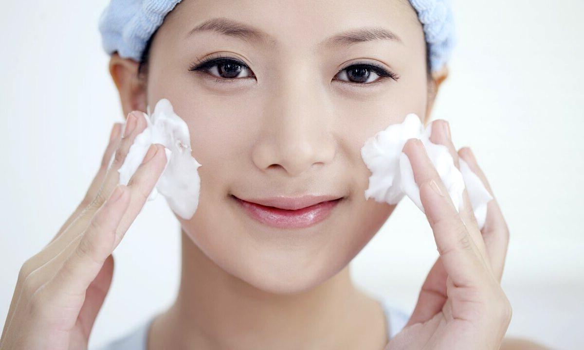 Секрет красоты от корейских женщин: двойное очищение лица
