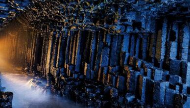 Фингалова пещера — демонстрация абсолютной силы природы