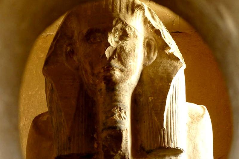 Пирамида Джосера в Саккаре — самая древняя пирамида в Египте