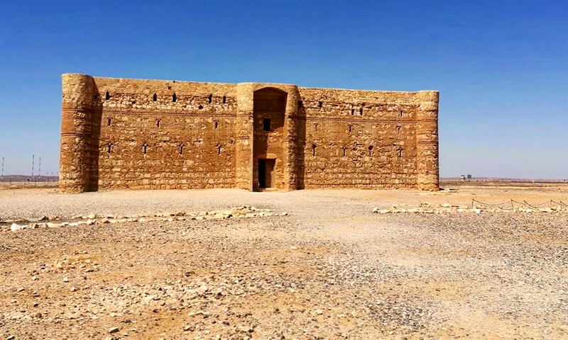 Странный «замок пустыни» Каср Харана в Иордании