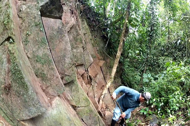 Ученые обнаружили затерянный город гигантов La Mana в джунглях Эквадора