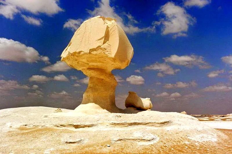 Каменные грибы, созданные природой по всему миру
