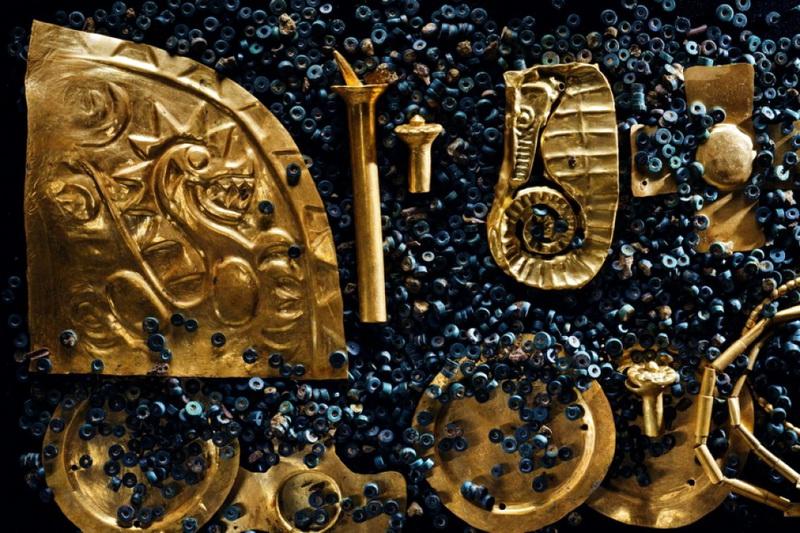 Загадочная находка — модель доисторической тяжелой техники или часть ювелирного украшения