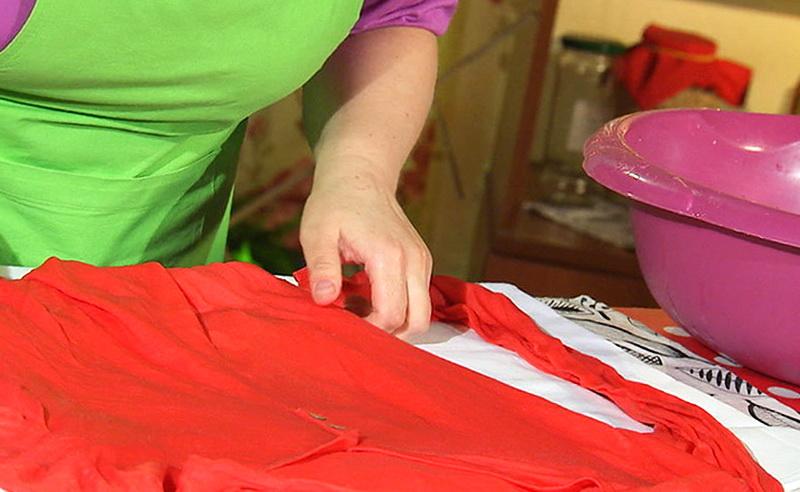 Как растянуть платье в домашних условиях