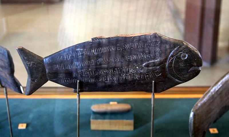 Загадочные таблички Ронго-ронго с острова Пасхи — символы, которые никто не может расшифровать
