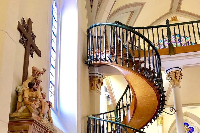 Чудесная лестница в капелле Лоретто: правда и вымысел