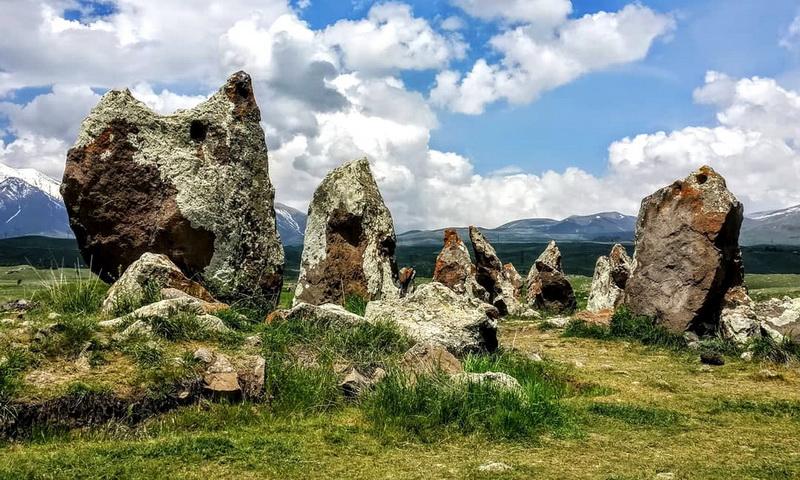 Загадочные камни армянского Стоунхенджа Зорац-Карер