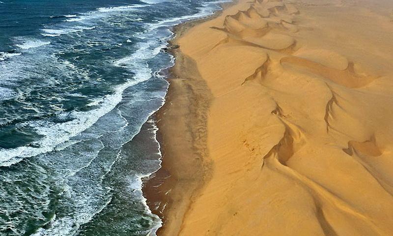 пустыня встретилась с океаном