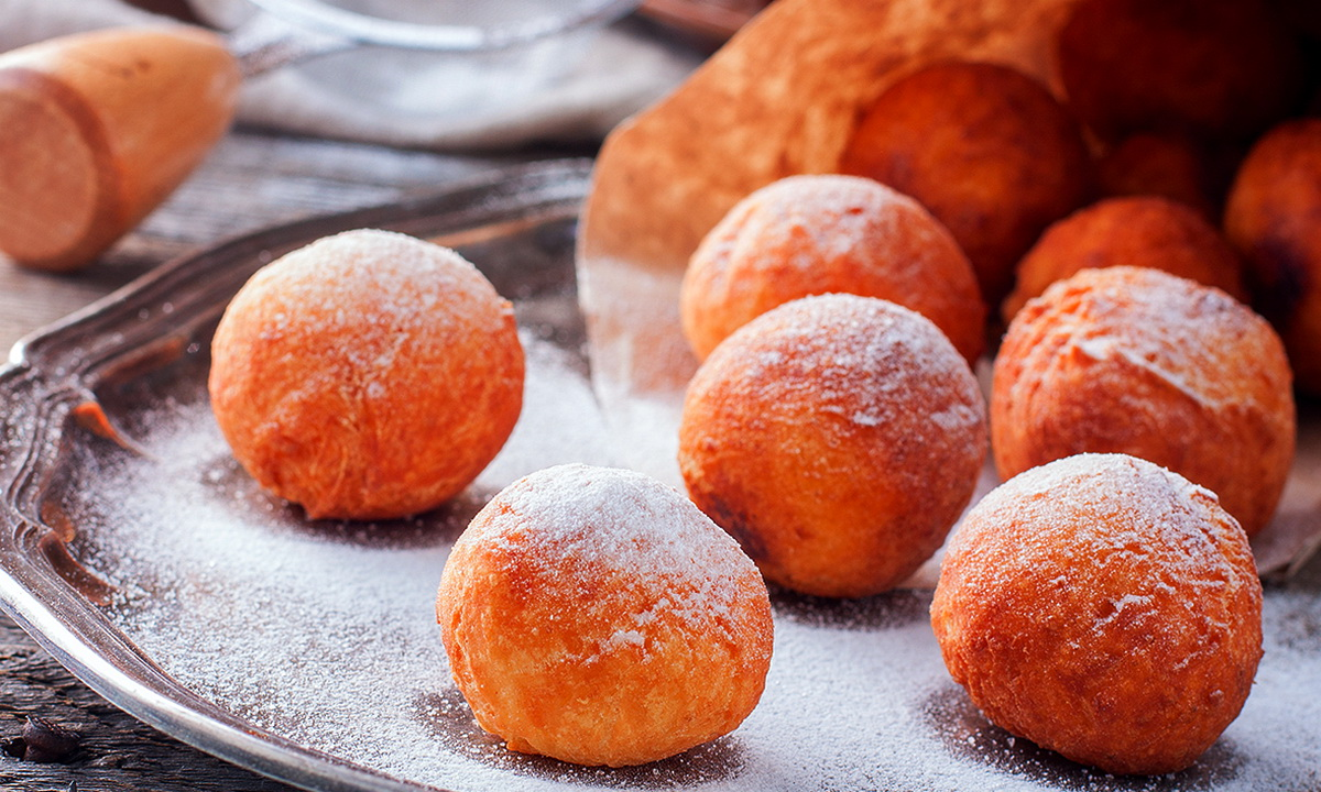 Как приготовить воздушные творожные пончики