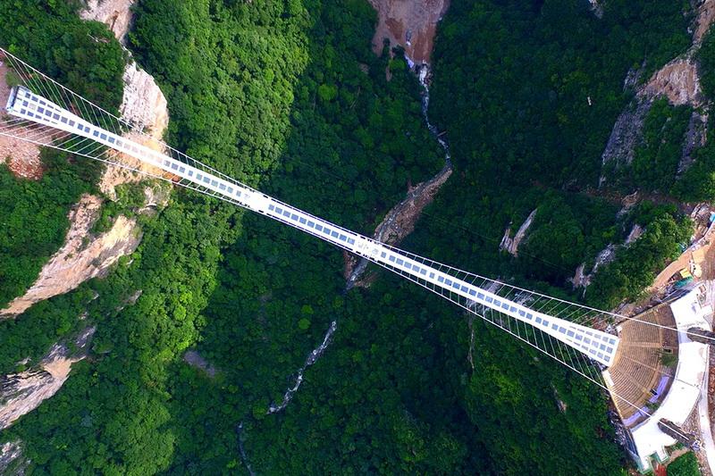 Стеклянный мост в провинции Хунань