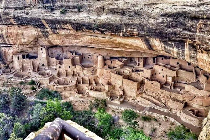 Руины скального жилища