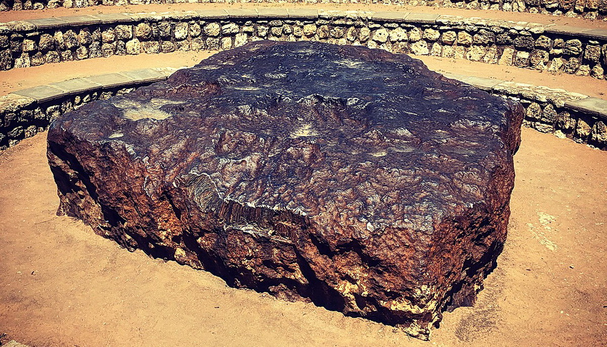 Гоба — самый большой метеорит на Земле