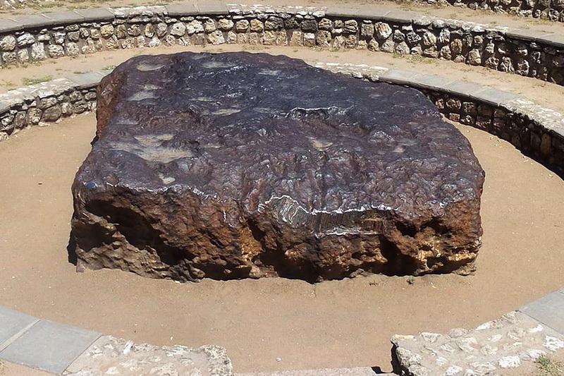Гоба — крупнейший метеорит