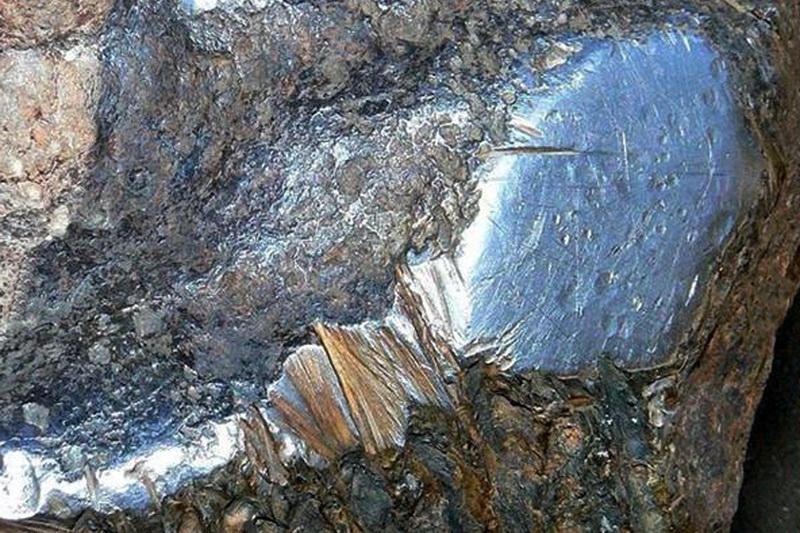 Часть поверхности метеорита Гоба