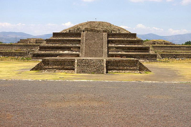 Теотиуакан Пирамида Пернатого змея