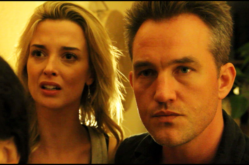 Сцена из фильма Связь 2013
