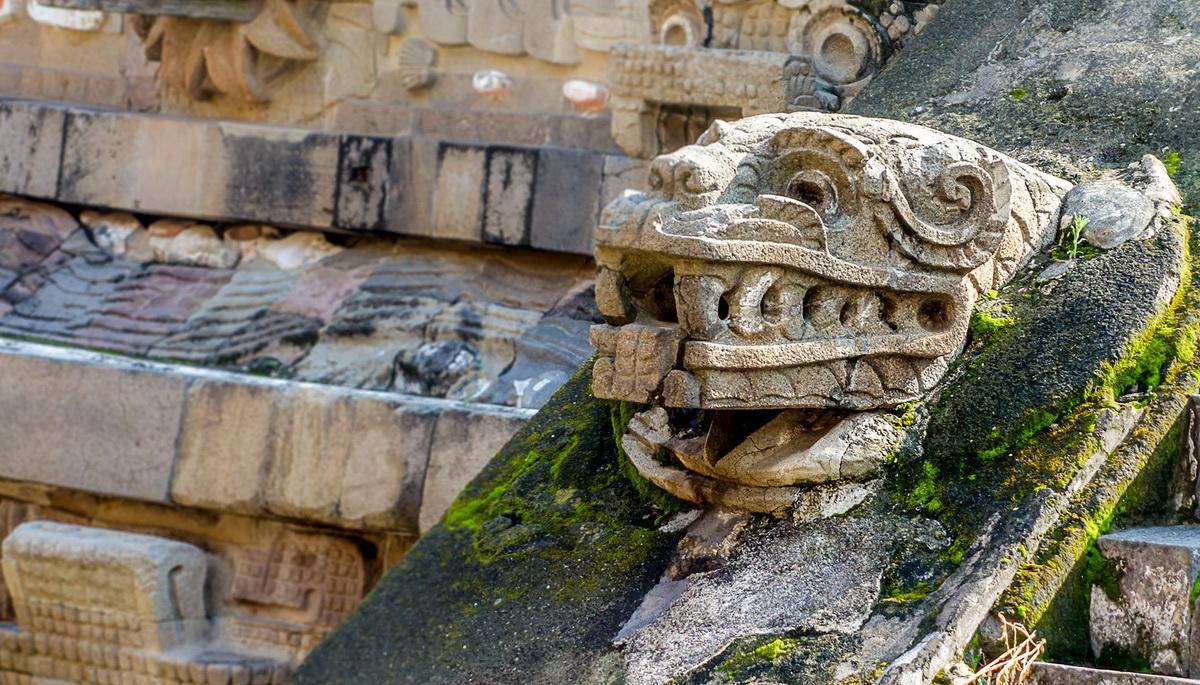 Находки из подземных лабиринтов Пирамиды Кетцалькоатля в Теотиуакане