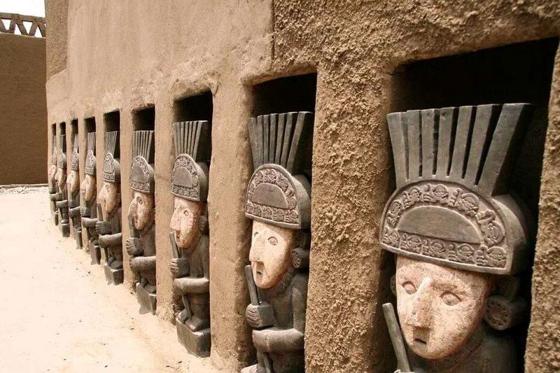 Идолы в масках Чан-Чан