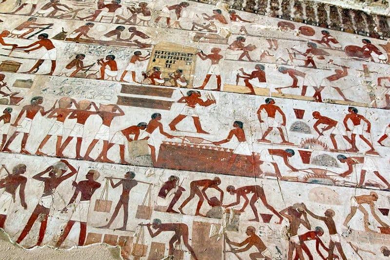 Фрагмент фрески строительство пирамид