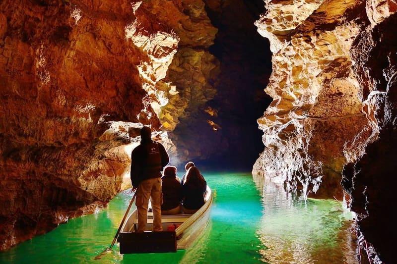 Река в пещере Падирак