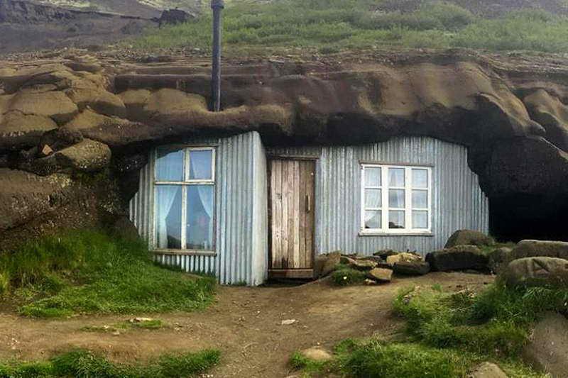 Дом-пещера в Исландии