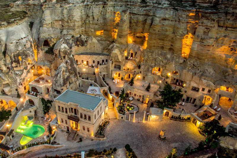 Отель в скале Турция