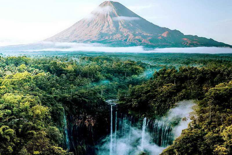 Водопад Тумпак Севу Индонезия