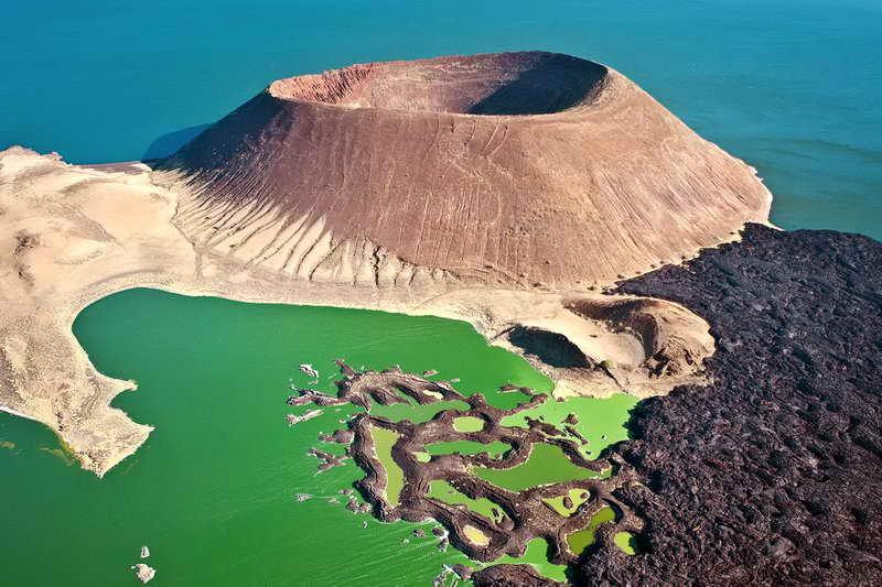 Вулканический кратер Набийотум