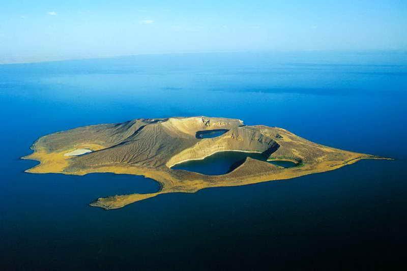 Остров Центральный в озере Туркана